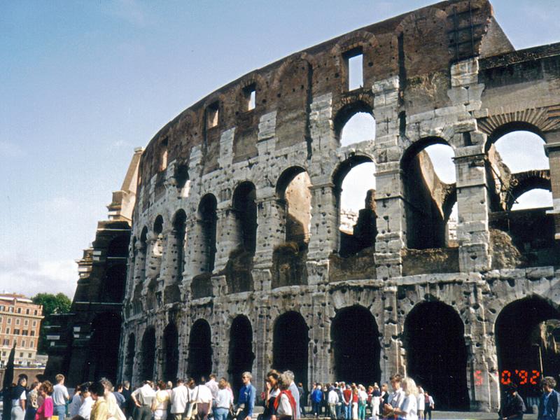 ローマ帝国の遺産 世界最大の円形闘技場・コロッセオ。