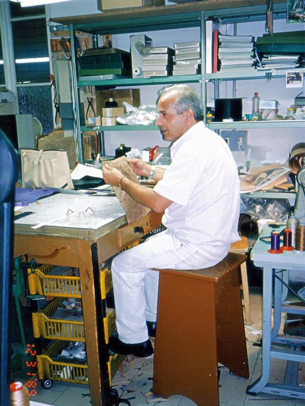 イタリア工房での職人